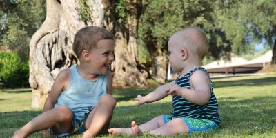 introduce-third-language-bilingual-child