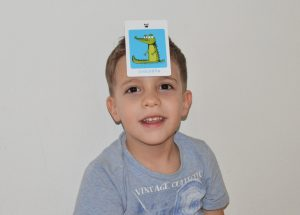 Flashcards-fun-activities-games-bilingual-kids-language-learners