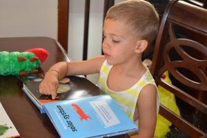 teach-child-love-reading-books