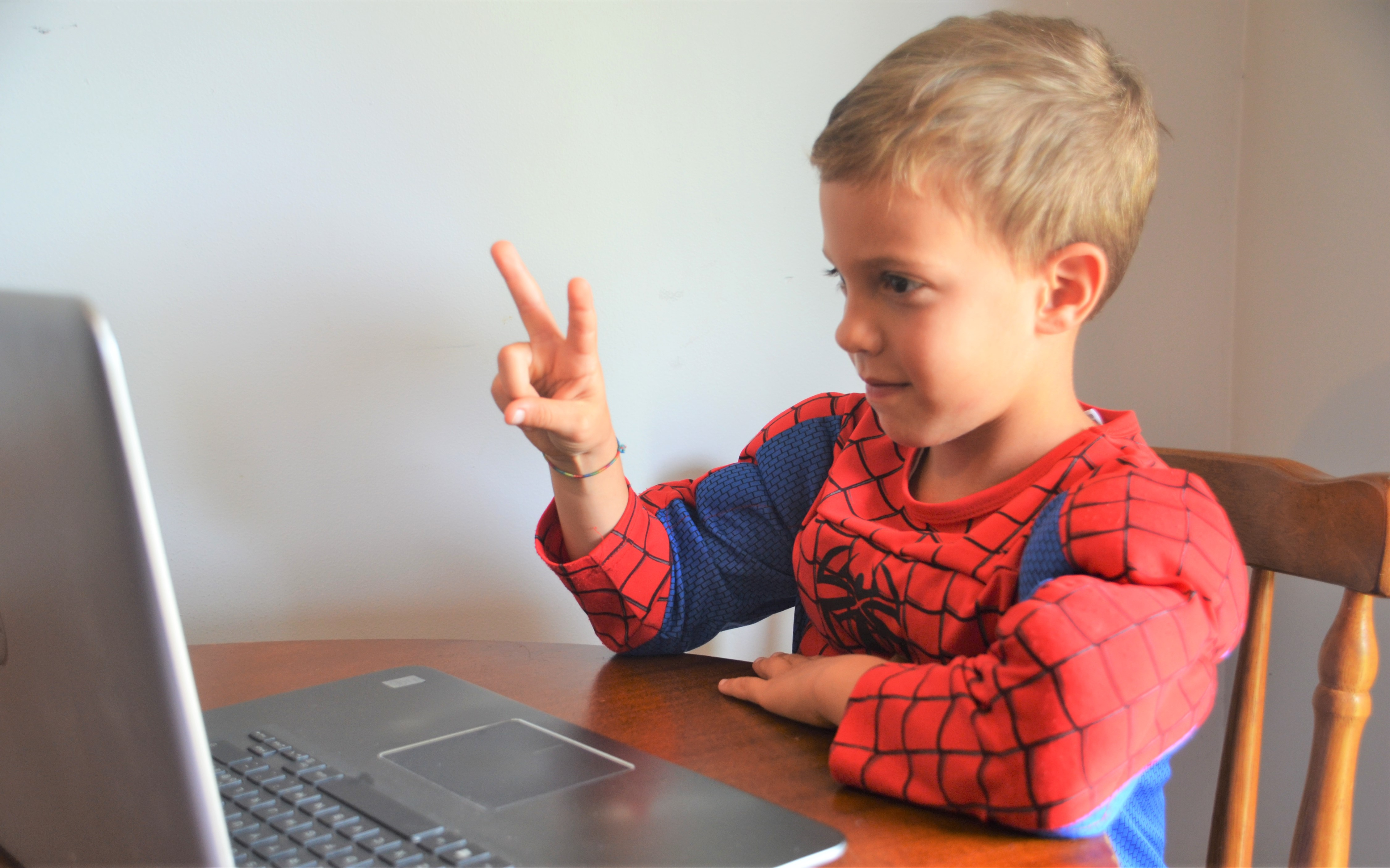Keep Your Child Safe By Learning About The Internet And ...