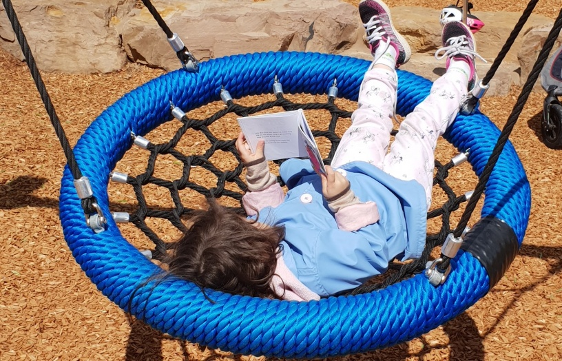 Raising Bilingual Kids - Benefits of Bilingual Books